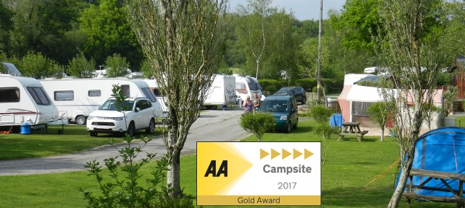 AA 5 Pennant Gold Camping 2017 Woodland Springs